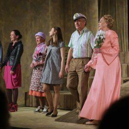 16 и 17 апреля в Сарапульском театре состоялись последние показы спектакля «Земля Эльзы» по пьесе Ярославы Пулинович.