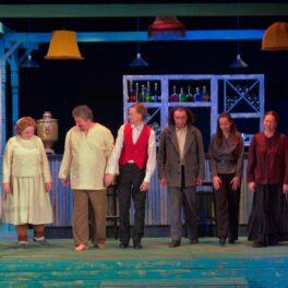 В Сарапульском театре состоялась сдача спектакля «Свои люди — сочтемся»